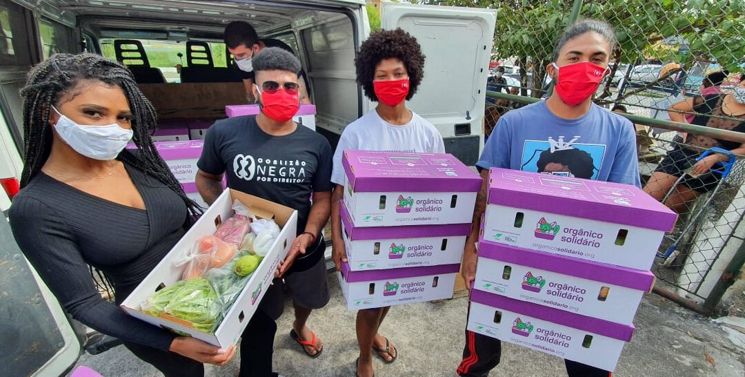 """Uneafro Brasil é uma das instituições que receberam cestas da campanha """"Tem Gente Com Fome""""."""