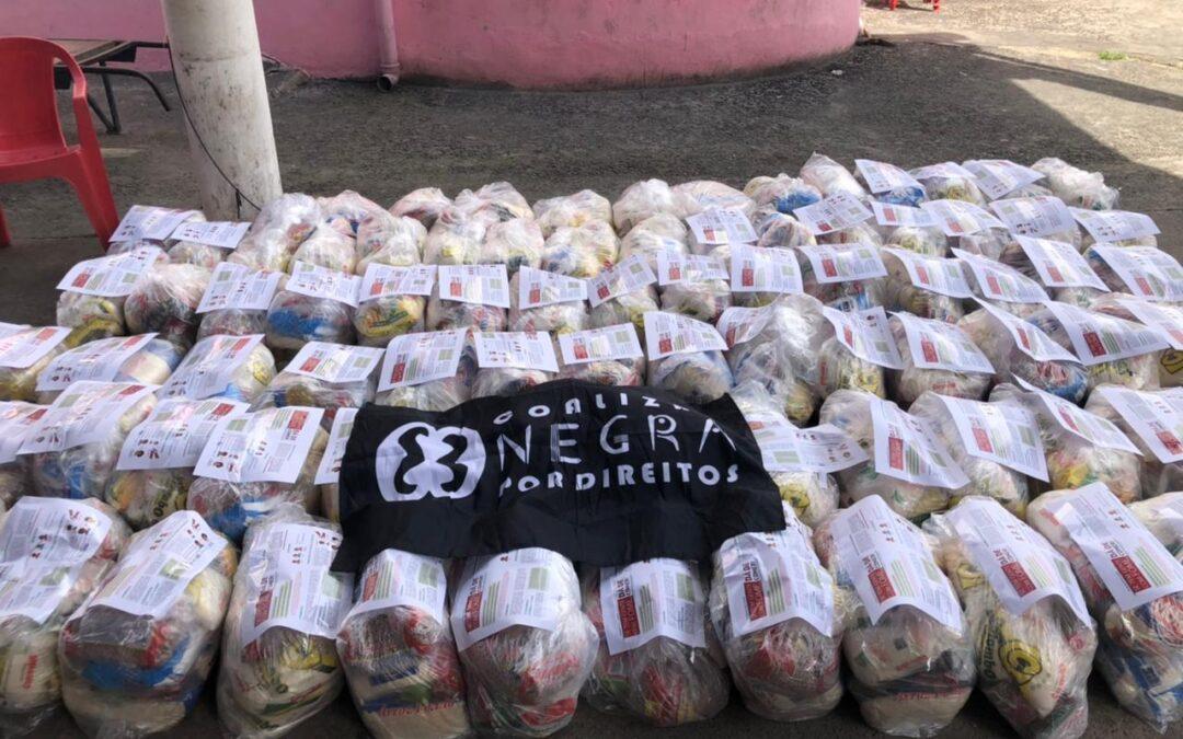 Entregas de cartões e cestas básicas no Jacarezinho – RJ #TemGenteComFome