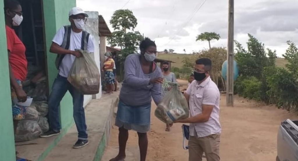 Entrega de cestas básicas nas Comunidades Quilombolas da Paraíba | #TemGenteComFome