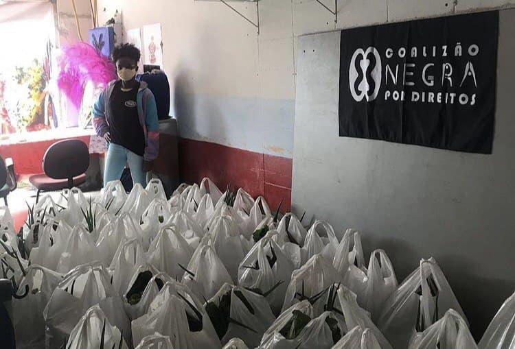 Entrega de cestas básicas no Itaim Paulista – SP | #TemGenteComFome