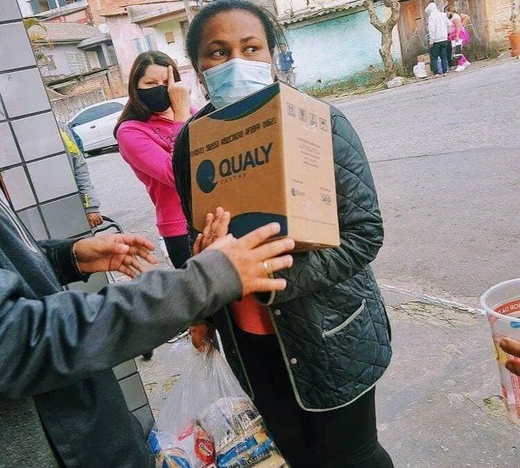 Entrega de cestas básicas e kit de higiene e limpeza no Jardim Miriam – SP | #TemGenteComFome