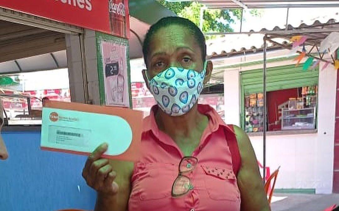 Entrega de cartões de alimentação em Feira de Santana _ BA | #TemGenteComFome